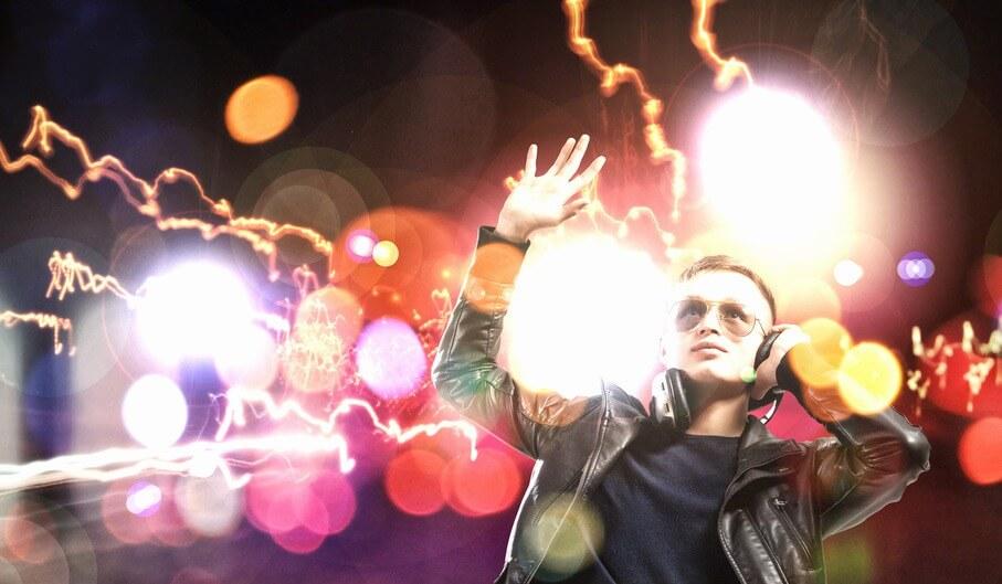 5 טיפים ליצירת אווירה במסיבה באמצעות תאורה בלבד